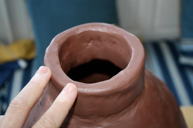 Hand-built olla